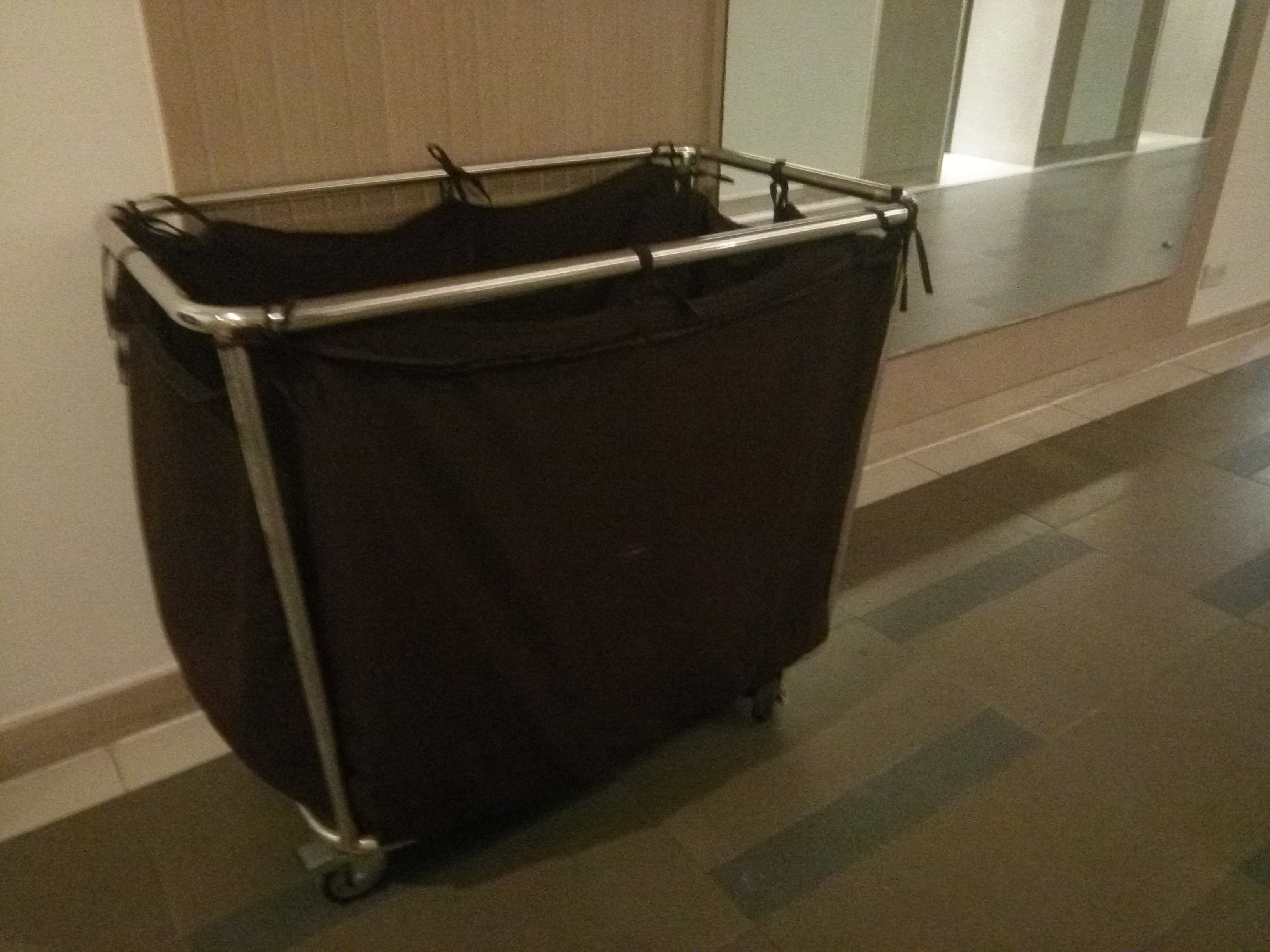 Linen Trolley Manufacturers
